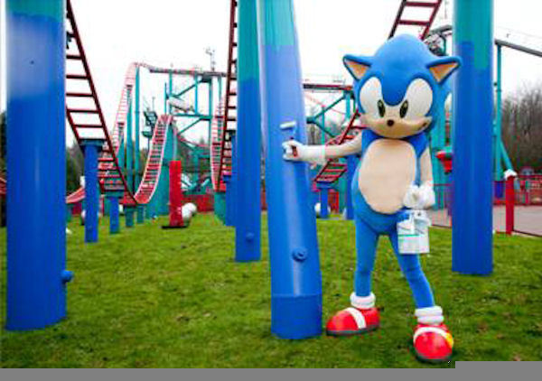 Sonic at Sonic Spinball ride