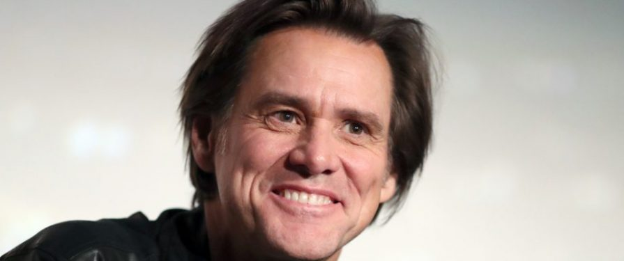 Jim Carrey Name-Drops Sonic Movie As He's Getting Kicked Out of the Golden Globes